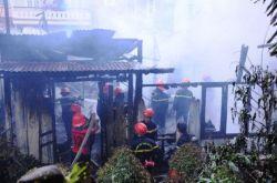 PCCC HCM - Một vụ cháy lớn gần trung tâm Đà Lạt